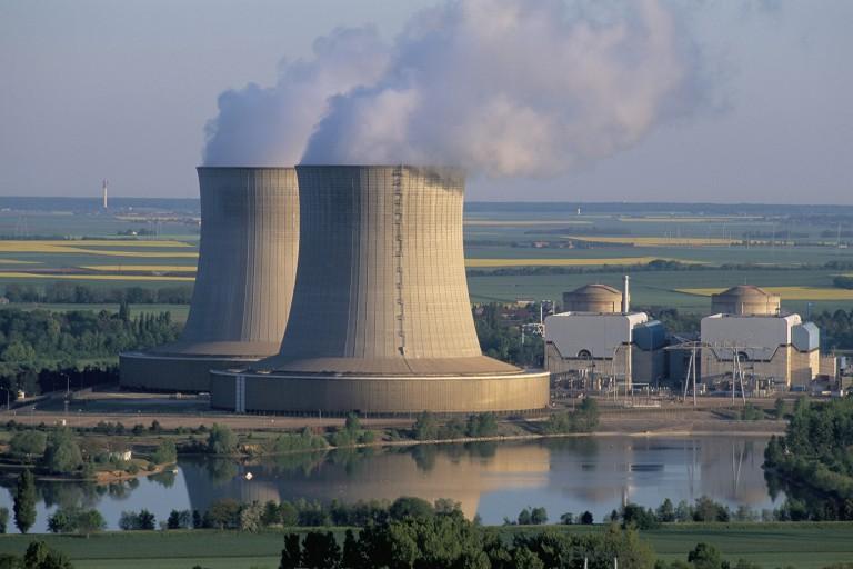 Во Франции на 29 АЭС нарушены меры безопасности