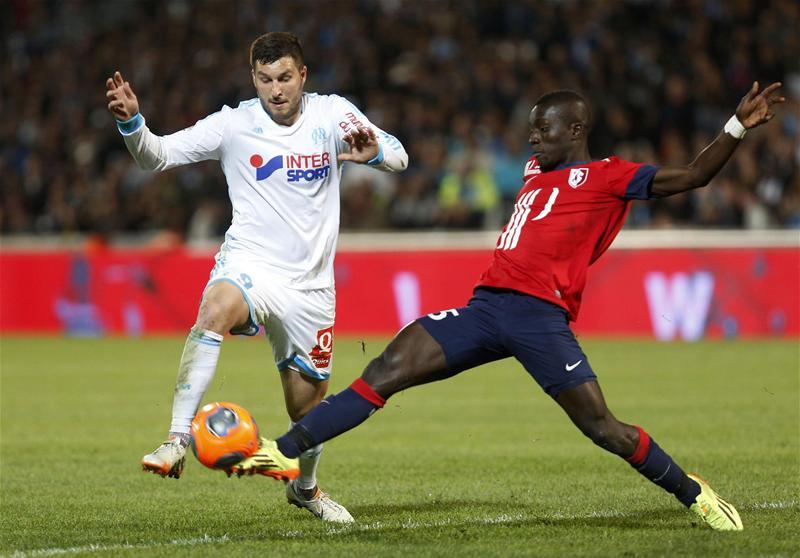 Матч Кубка Франции по футболу был прерван из-за инфаркта у игрока