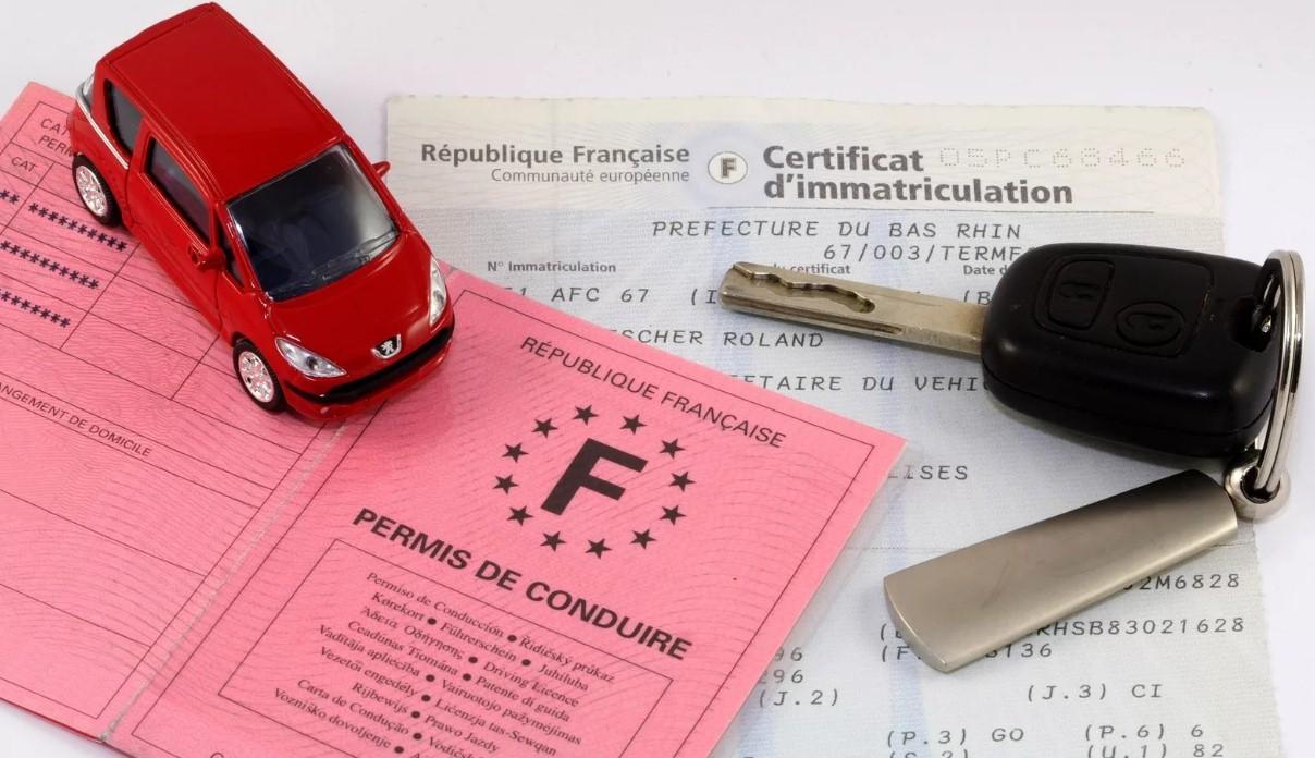 Права во Франции теперь можно получить через интернет