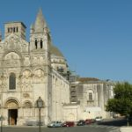 Из Ангулемского собора украли корону Богородицы