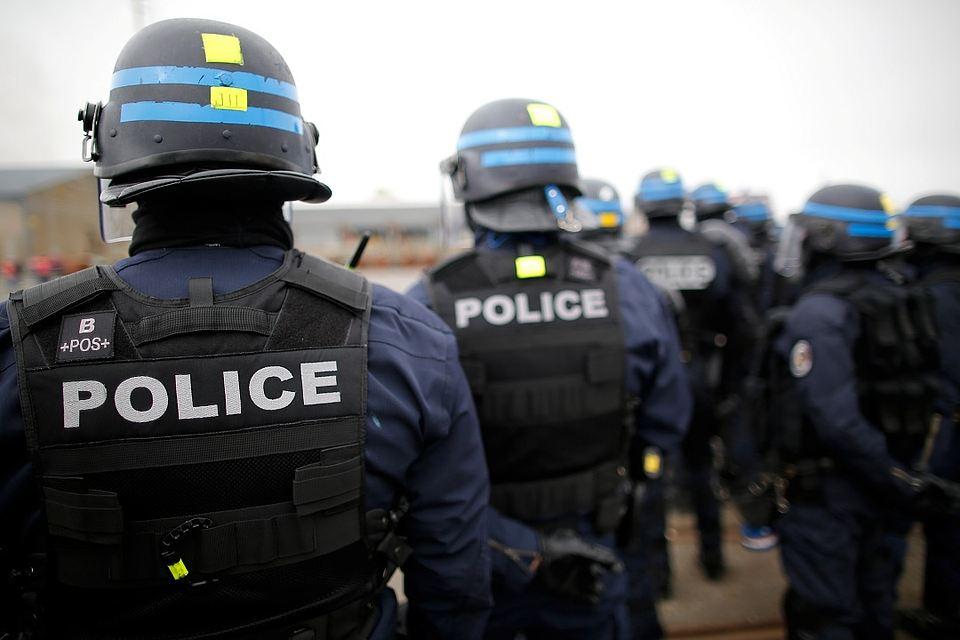 8 полицейских покончили с собой во Франции