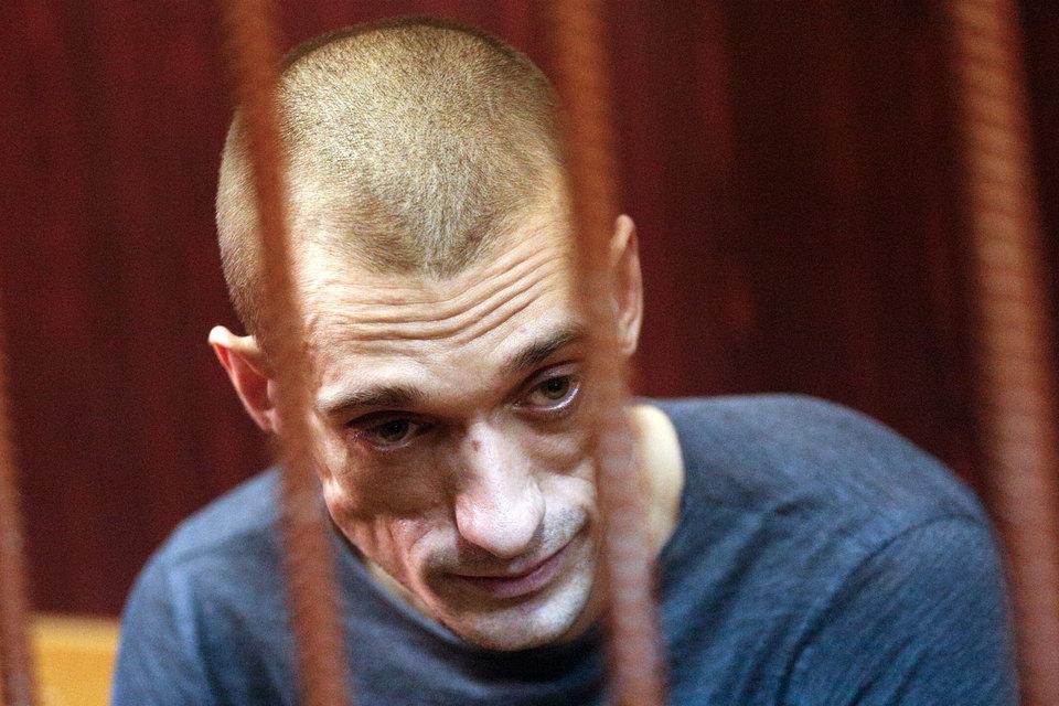 Акционист Павленский объявил сухую голодовку в тюрьме
