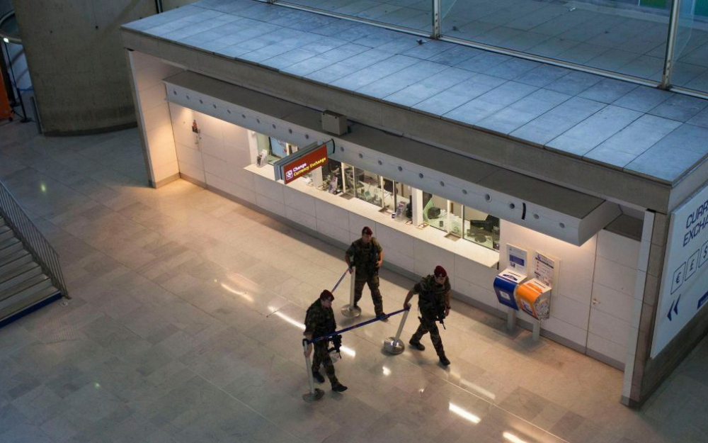 300 тысяч евро украл бомж в аэропорту Шарль-де-Голль