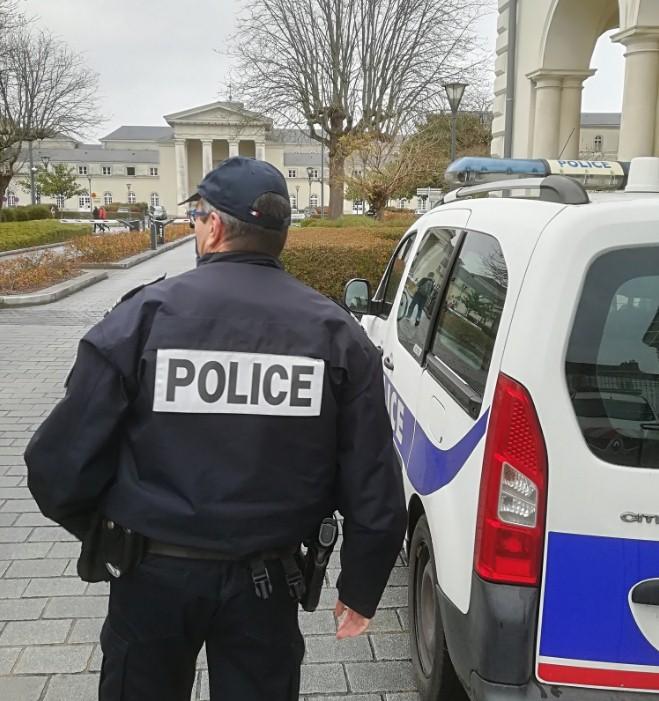 Во Франции высмеяли спецоперацию полиции
