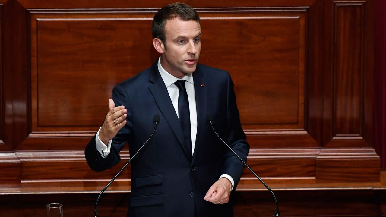 Макрон намерен сделать французский язык самым употребляемым в мире