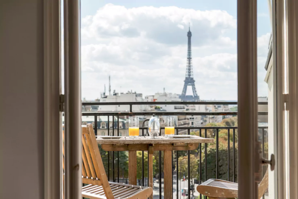 В Париже изменили правила сдачи в аренду жилья через Airbnb