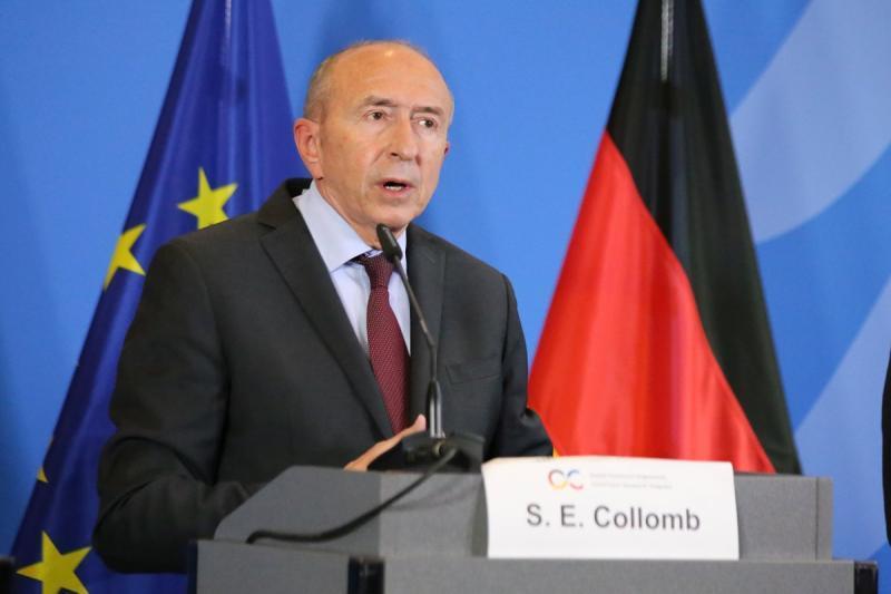 Франция ужесточает правила приема иммигрантов