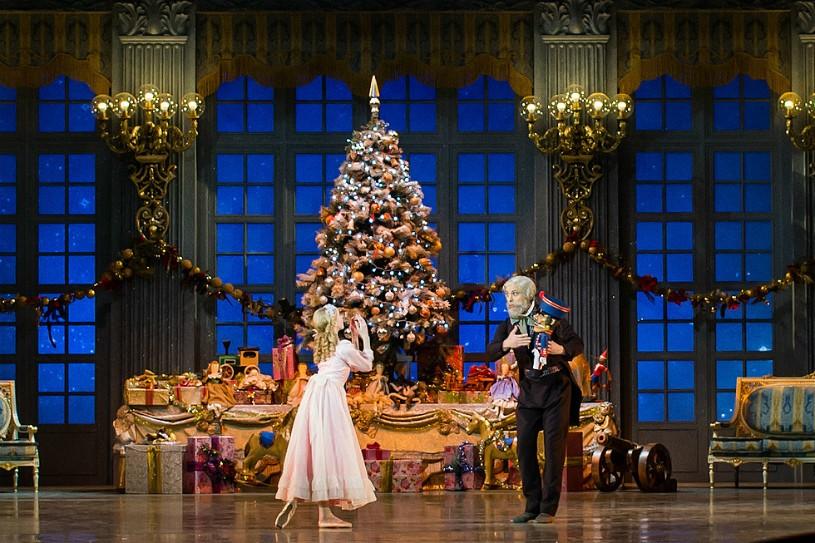 В Париже радушно встретили российский балет «Щелкунчик»