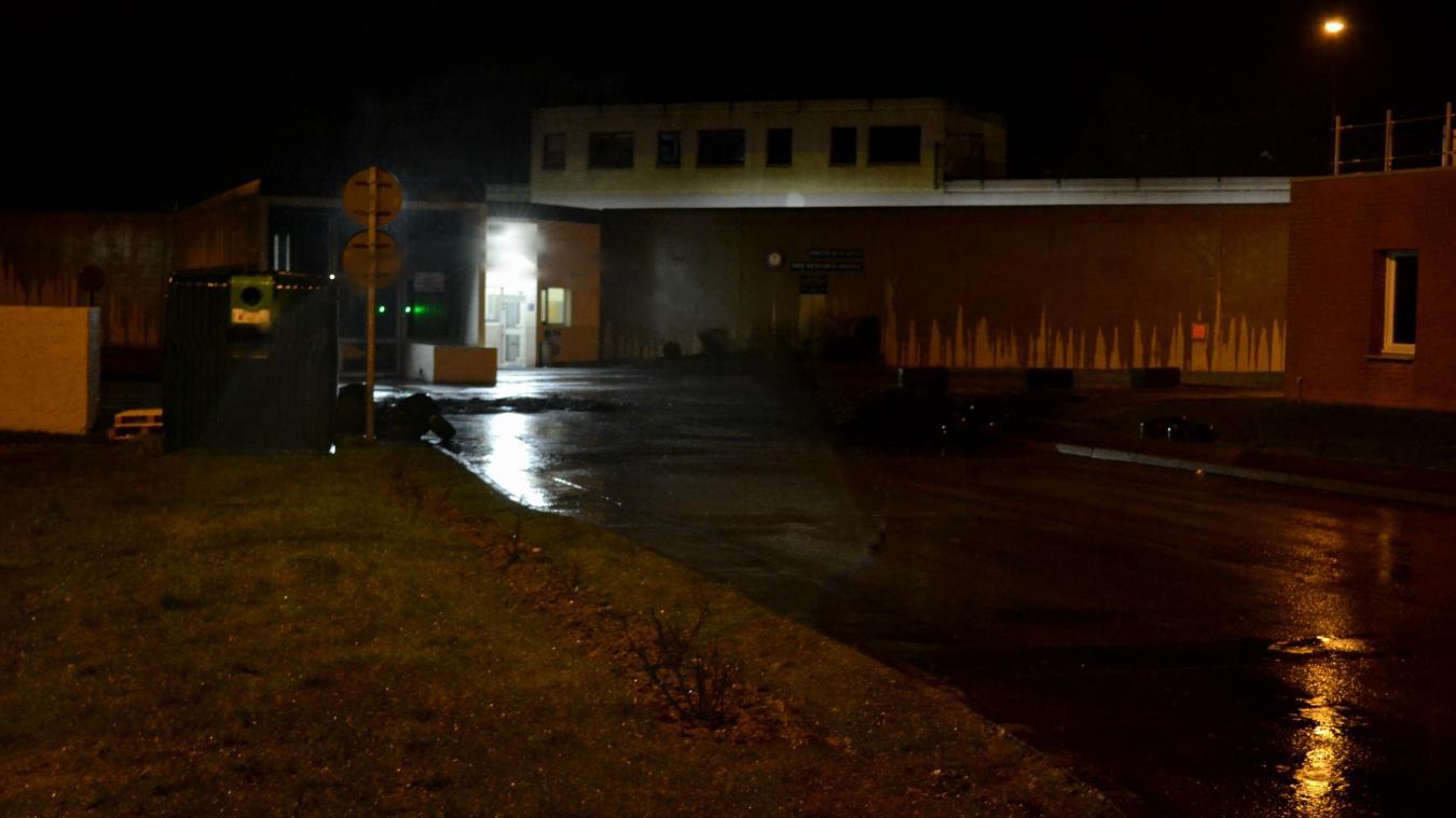 Госпитализировано два тюремных надзирателя