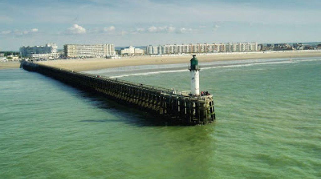 Кале, Франция