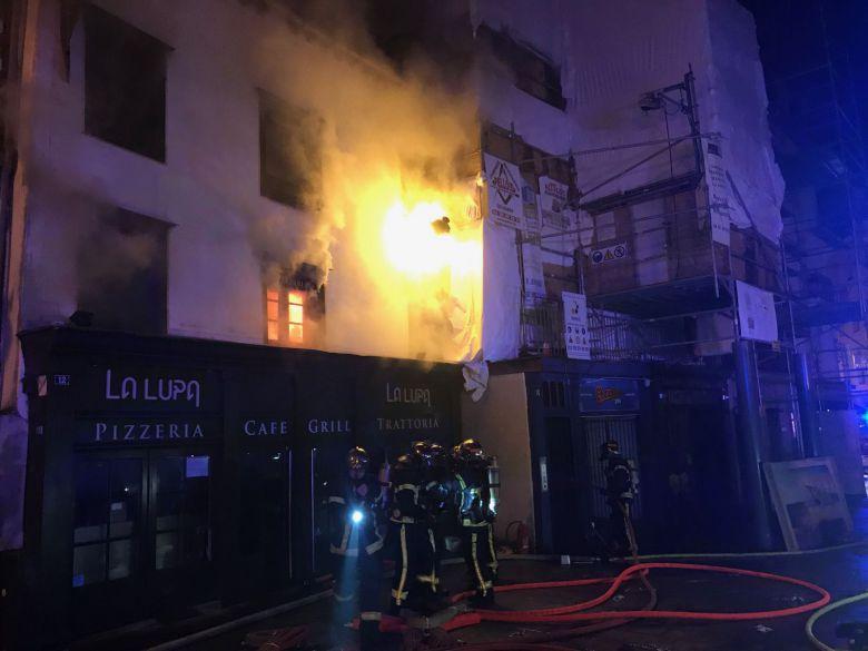 Пожар в историческом центре города Ренн