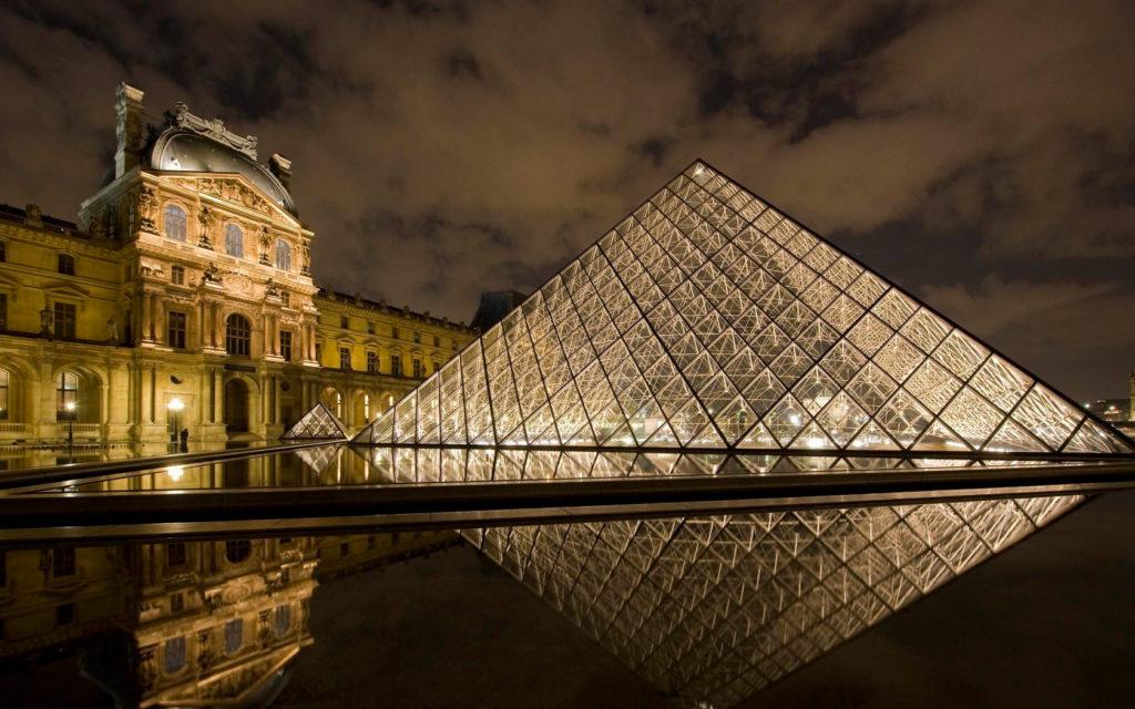 397623_luvr_parizh_muzej_arxitektura_piramida_konstrukciy_1680x1050_www.GetBg_.net_-1024x640.jpg