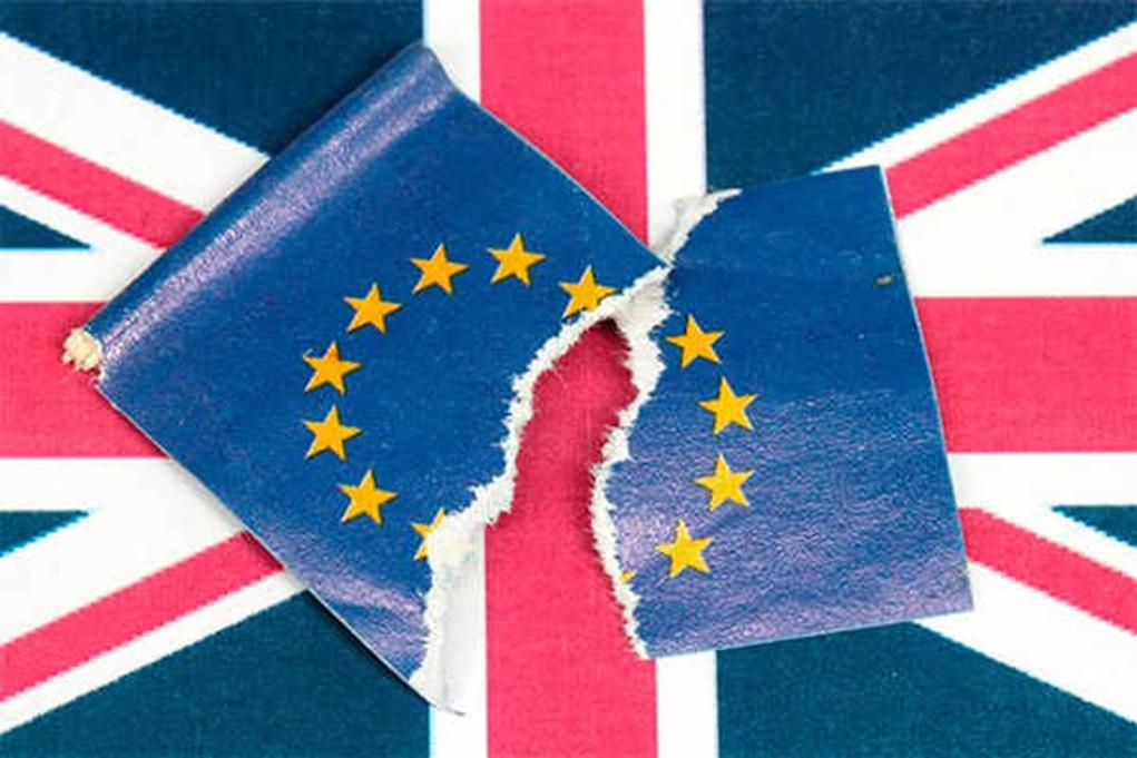 Во Франции требуют лишить Великобританию права голоса в ЕС