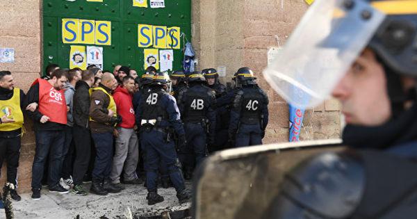 Надзиратели продолжили забастовку, несмотря на договорённость