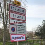 На дорогах Франции появились запрещающие джихадистов знаки