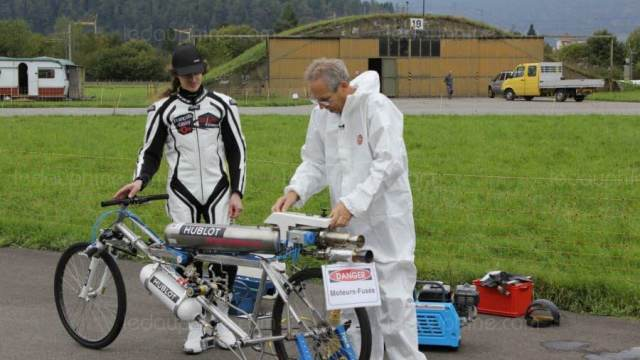 Мировой рекордсмен умер, пытаясь улучшить рекорд скорости навелосипеде