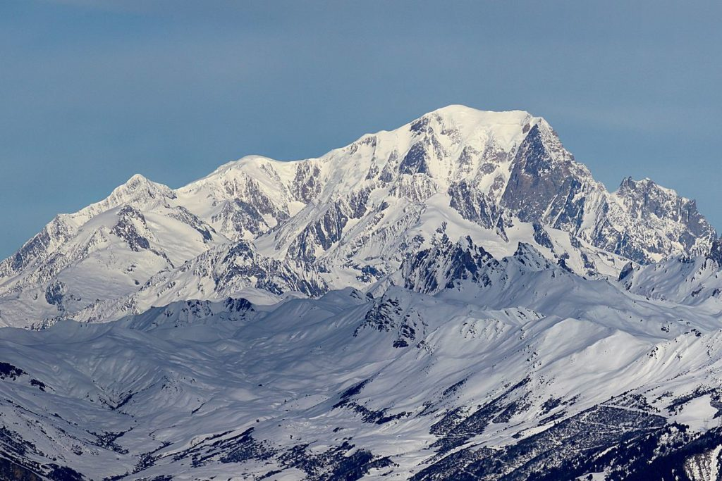 1200px-Mont_Blanc_depuis_Valmorel_2-1024x683.jpg