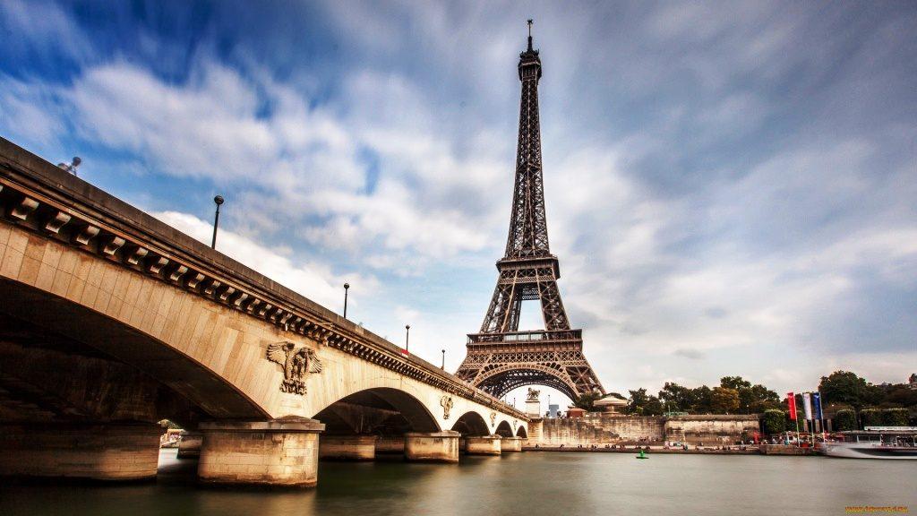 goroda-parizh-franciya-reka-most-bashny-892414-1024x576.jpg