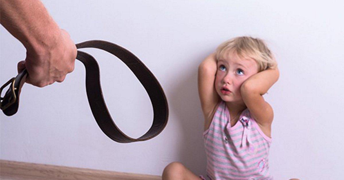 Меня осуждали когда ребенок был не управляем, осуждают и когда стала наказывать.