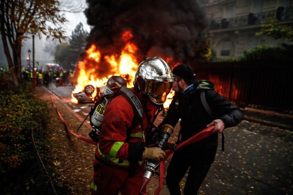 Франция-протесты-Майдан