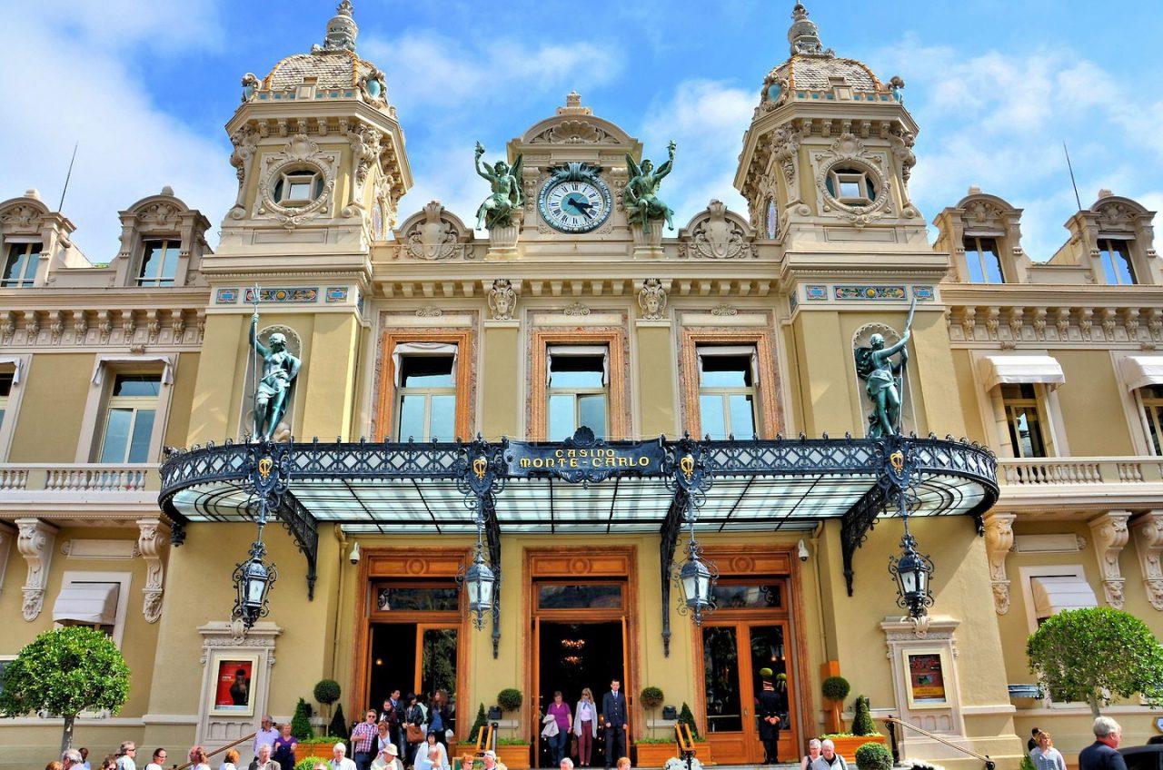 Monaco-Monte-Carlo-Monte-Carlo-Casino-Entrance-1440x954-1280x848.jpg