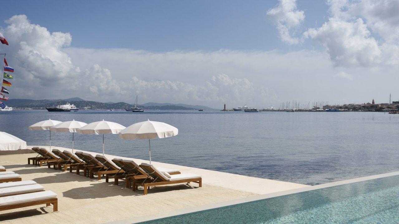9c6aba14b920caaa025e2467b895759ab1fc35d1_cheval-blanc-st-tropez-home-page-pool-beach-1280x720.jpg