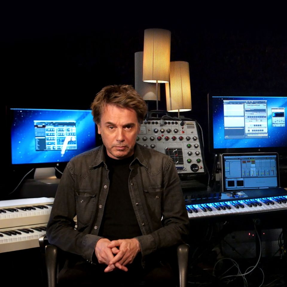 img-welcome-jean-michel-jarre_welcome_new-9e31f4e9e3bfe4934ee036178c67c37d-m-2x.jpg