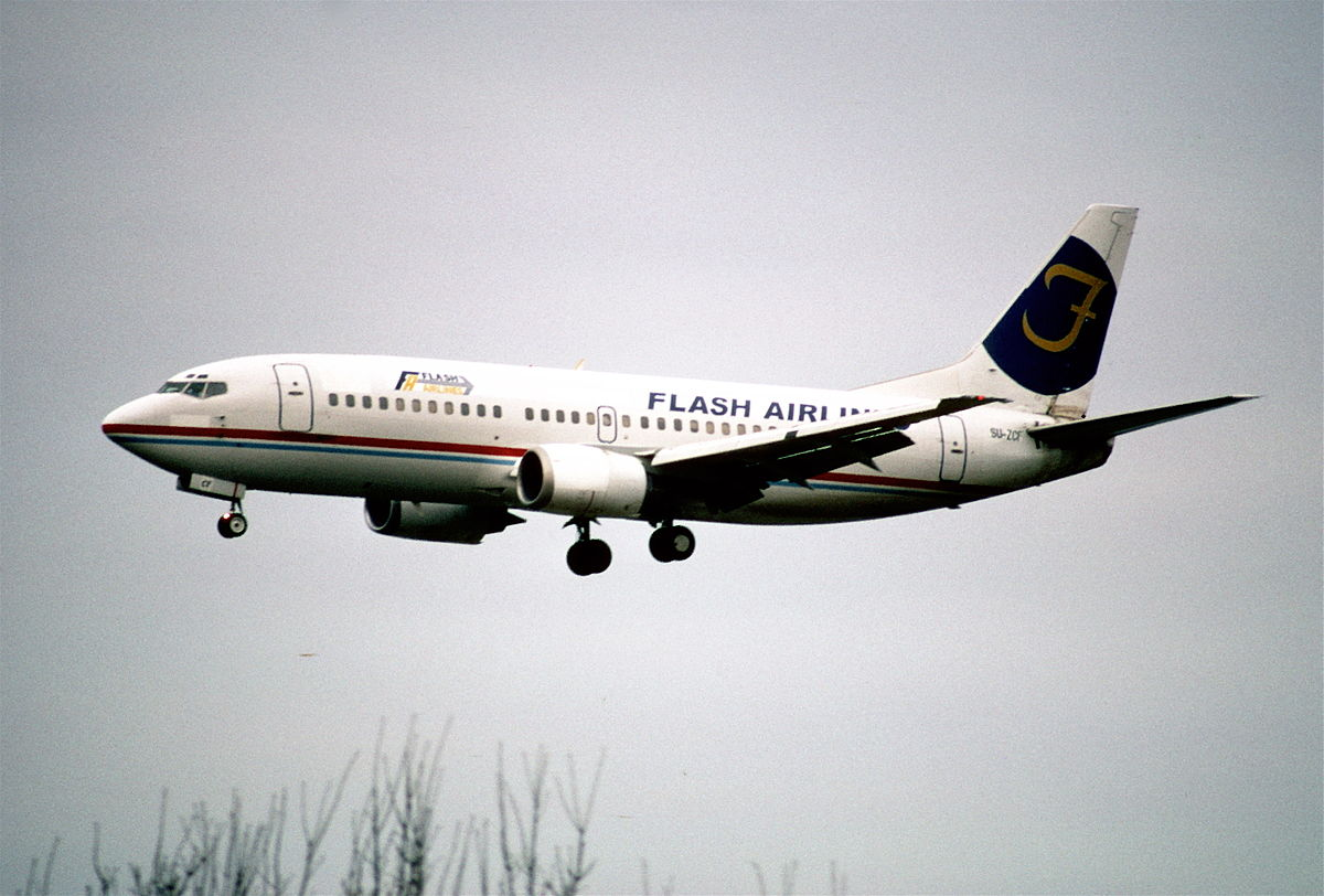 174ak_-_Flash_Airlines_Boeing_737-3Q8_SU-ZCF-ZRH30.03.2002_-_Flickr_-_Aero_Icarus.jpg