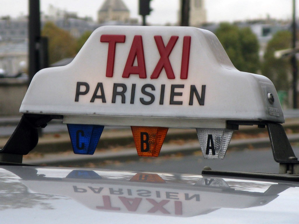 stoimost-taxi-v-parizhe.jpg