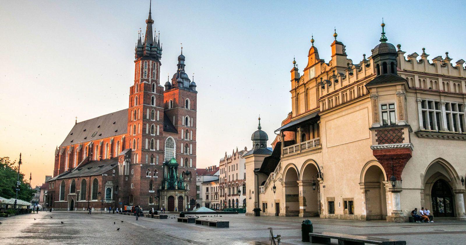 Французам поездку в Польшу пока лучше не планировать