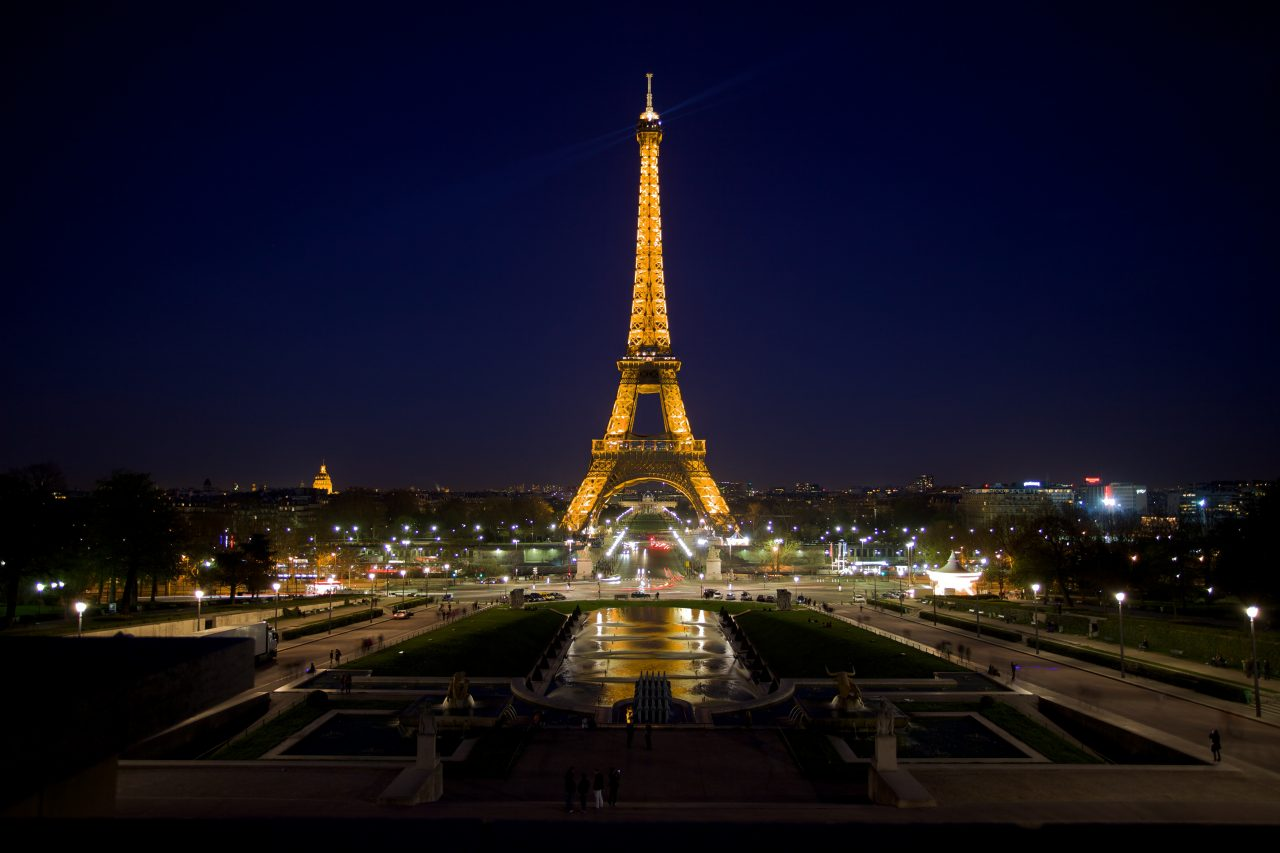 Eiffel_Tower__night_photo_057981_-1280x853.jpg