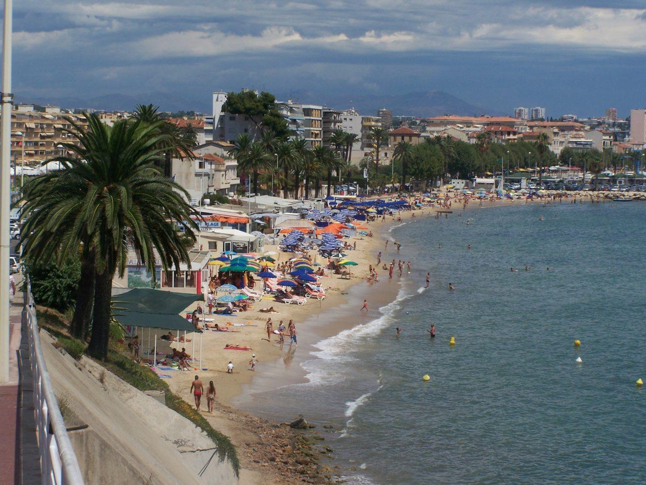 Baie_de_Golfe_Juan-1280x962.jpg