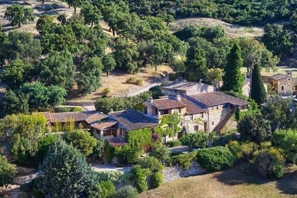provencal-estate-of-johnny-depp-1-46157801.jpg