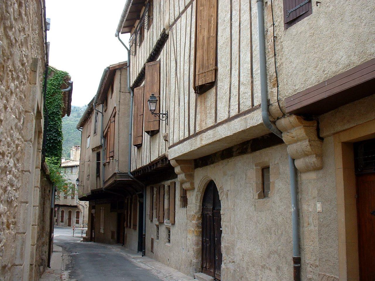 Alet-les-Bains_France_Encorbellements-1280x960.jpg
