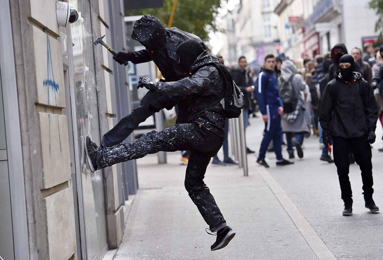 2048x1536-fit_des-casseurs-lors-de-la-manifestation-contre-la-loi-travail-jeudi-17-avril-a-nantes-afp-l-venance-1280x871.jpg
