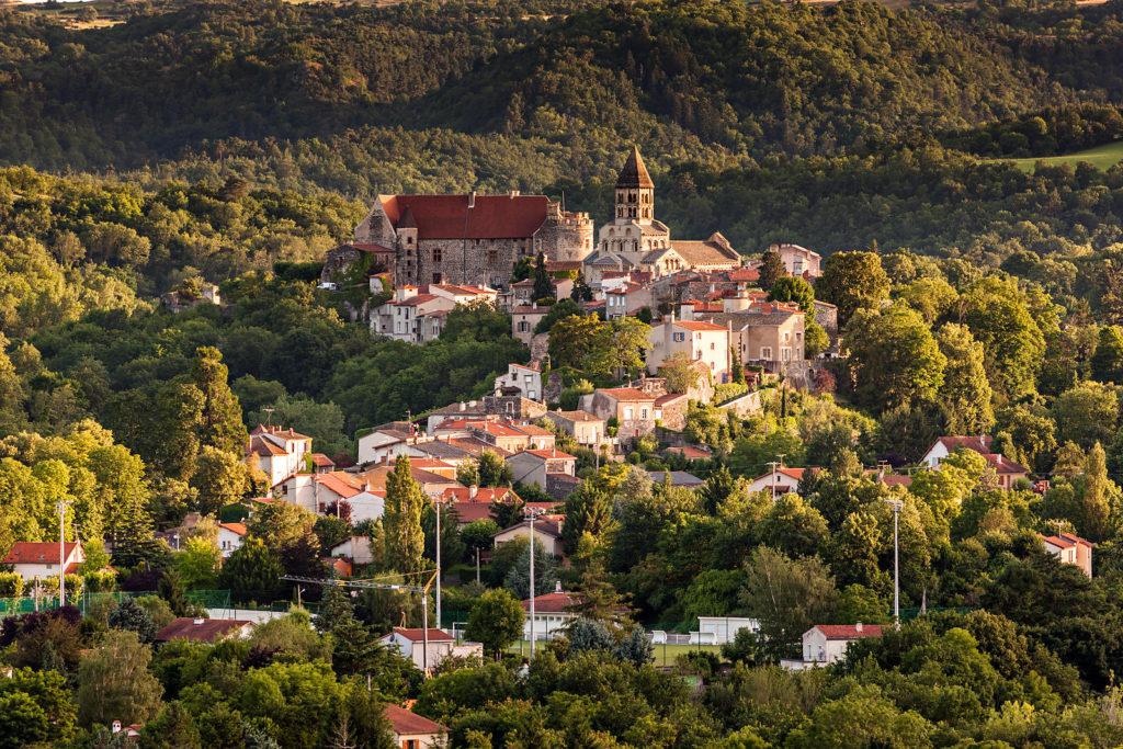 village-saint-saturnin-auvergne-coucher-soleil_uxga-1024x683-1.jpg